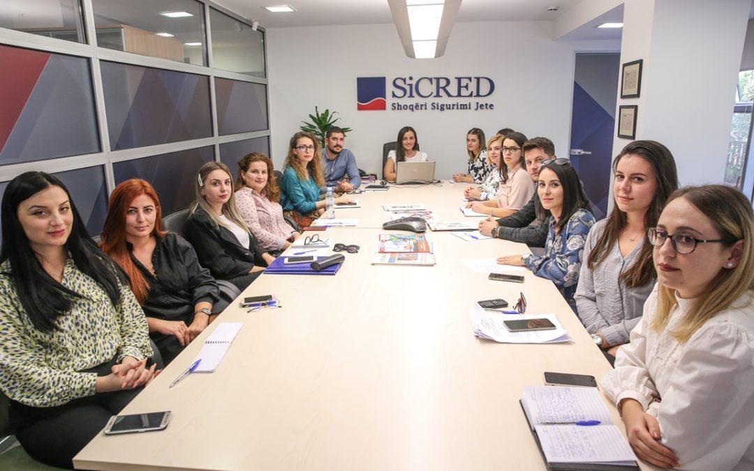 Trajnimi i vazhdueshëm i skuadrës SiCRED dhe edukimi i publikut mbi produktet e sigurimit të jetës